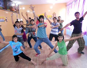 open bar dancer ka dance